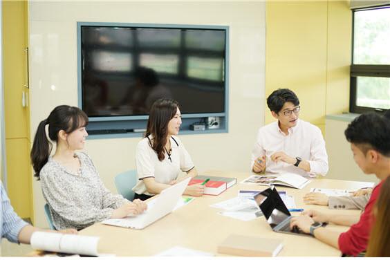 고려사이버대가 풍부한 학습지원 프로그램을 제공한다