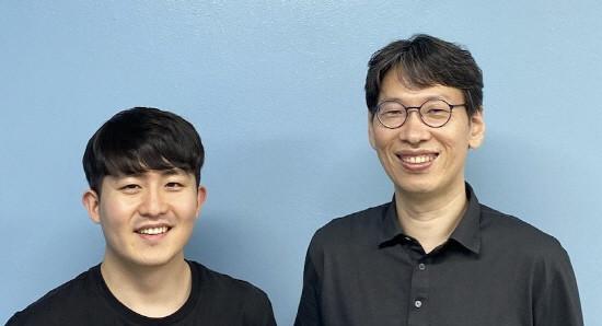 왼쪽부터 유경인 서울대학교 공과대학 컴퓨터공학부 박사과정, 전병곤 교수