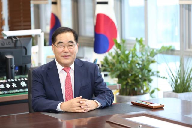 한국법무보호복지공단 제14대 신용도 이사장은 3년의 재임기간 동안 출소자 인권 향상 및 조직 내실화 등에서 큰 기여를 했다