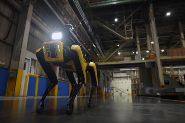 현대자동차그룹이 공개한 '공장 안전 서비스 로봇'